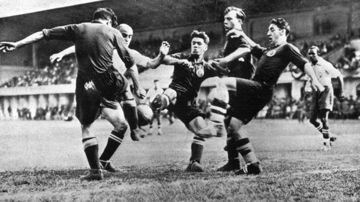 Lan-dau-cho-nguoi-Y-World-Cup-1934-Tay-Ban-Nha-vs-Brazil