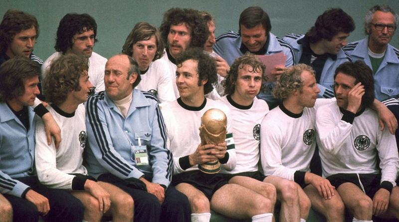 Pha-loc-Da-cam-Tay-Duc-lan-thu-hai-gianh-ngoi-vuong-World-Cup-1974-6