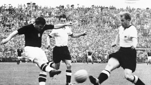 Tinh-than-Duc-quat-do-The-he-vang-Hungary-World-Cup-1954-4