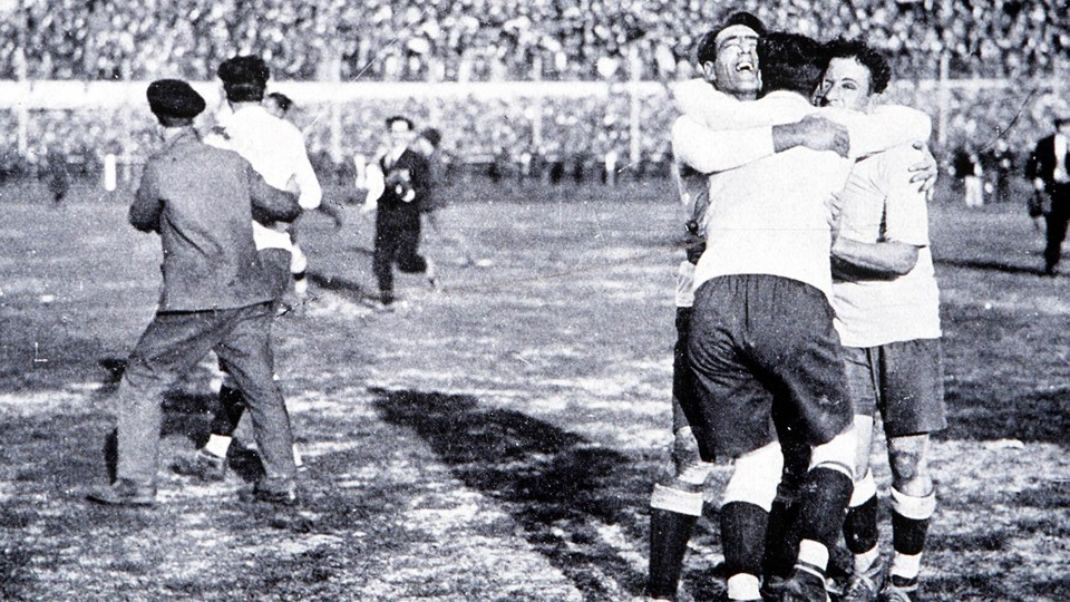 Uruguay-mo-hang-thuyet-phuc-World-Cup-1930-3
