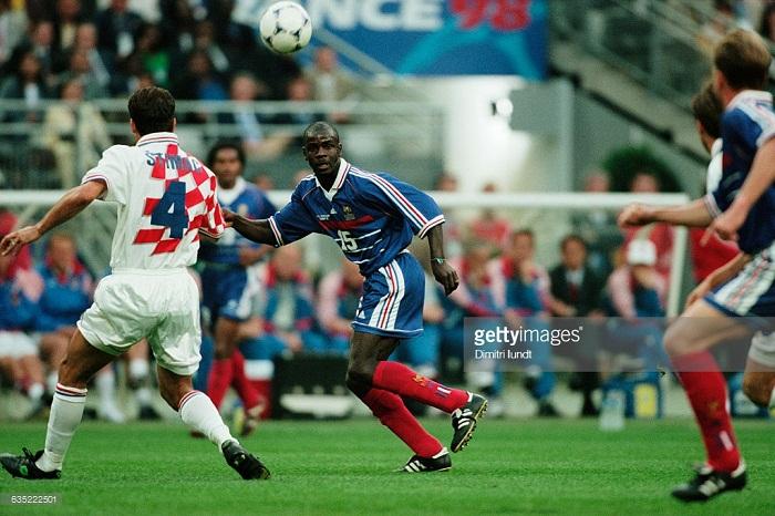Bi-an-Ronaldo-Ga-Gaulois-gay-vang-World-Cup-1998-11