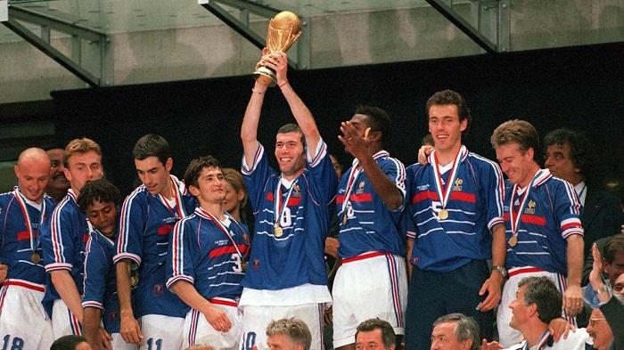 Bi-an-Ronaldo-Ga-Gaulois-gay-vang-World-Cup-1998-6