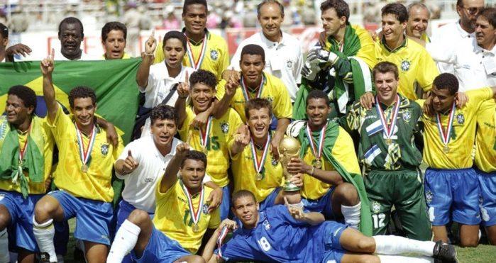 Duoi-ngua-Baggio-dang-cup-vang-thu-4-cho-Brazil-World-Cup-1994-4