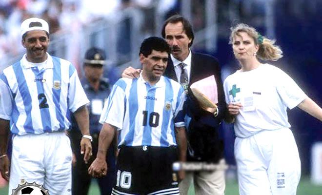 Duoi-ngua-Baggio-dang-cup-vang-thu-4-cho-Brazil-World-Cup-1994-6