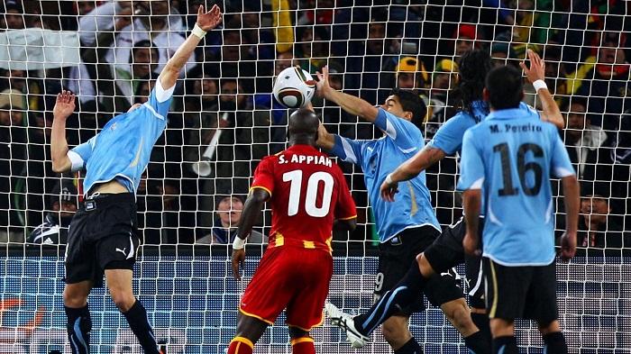 Quyen-truong-tiqui-taca-dua-Tay-Ban-Nha-lan-dau-len-ngoi-World-Cup-2010-6