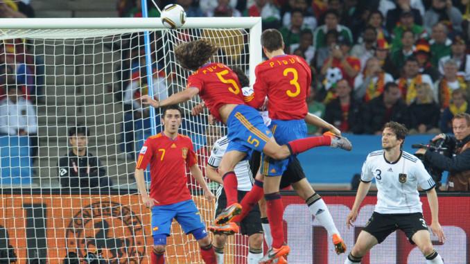 Quyen-truong-tiqui-taca-dua-Tay-Ban-Nha-lan-dau-len-ngoi-World-Cup-2010-8