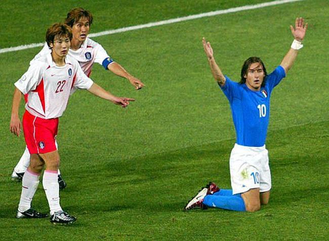 Ronaldo-ruc-sang-mang-cup-vang-thu-nam-cho-Brazil-World-Cup-2002-1