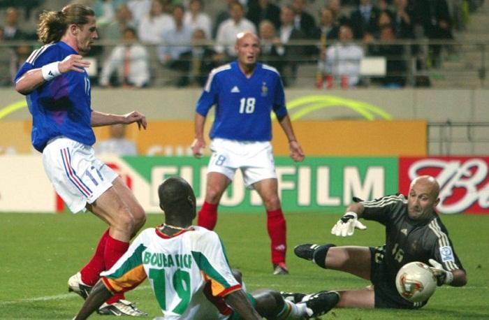 Ronaldo-ruc-sang-mang-cup-vang-thu-nam-cho-Brazil-World-Cup-2002-6
