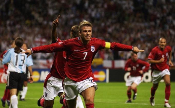 Ronaldo-ruc-sang-mang-cup-vang-thu-nam-cho-Brazil-World-Cup-2002-7