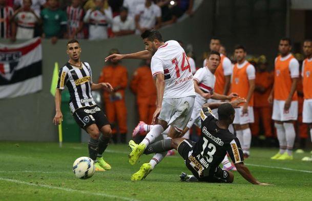 Sao-Paulo-vs-Botafogo-Tiep-da-hung-phan-7h00-ngay-31-5-VDQG-Brazil-Brazil-Serie-A