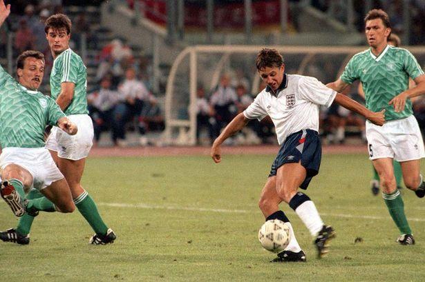Tay-Duc-bao-thu-Hoang-de-Beckenbauer-di-vao-lich-su-World-Cup-1990-3