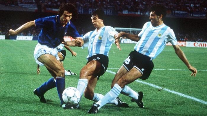 Tay-Duc-bao-thu-Hoang-de-Beckenbauer-di-vao-lich-su-World-Cup-1990-5