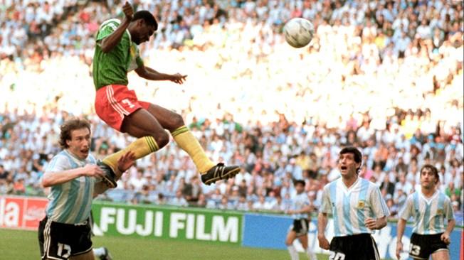 Tay-Duc-bao-thu-Hoang-de-Beckenbauer-di-vao-lich-su-World-Cup-1990-6