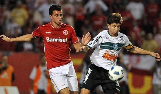 Vitoria-Salvador-vs-Internacional-05h30-ngay-31-05-2