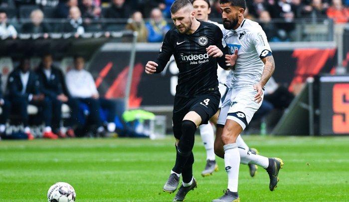 Inter-Milan-vs-Eintracht-Frankfurt-Vi-khach-cung-dau-03h00-ngay-15-03-Cup-C2-chau-Au-Europa-League