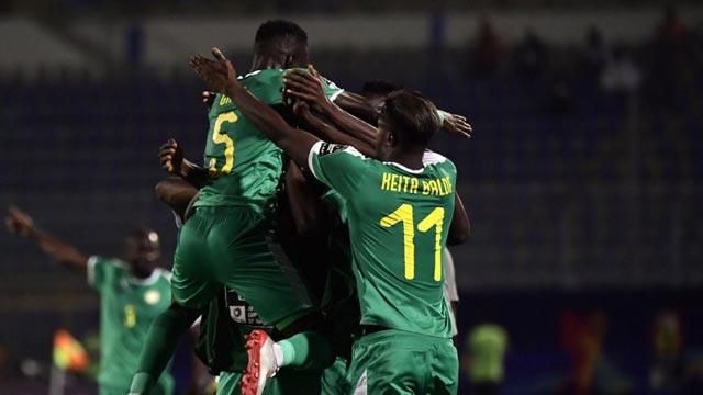 Senegal-vs-Tunisia-Su-tu-gam-vang-23h00-ngay-14-7-cup-chau-Phi-Africa-Cup-of-Nations