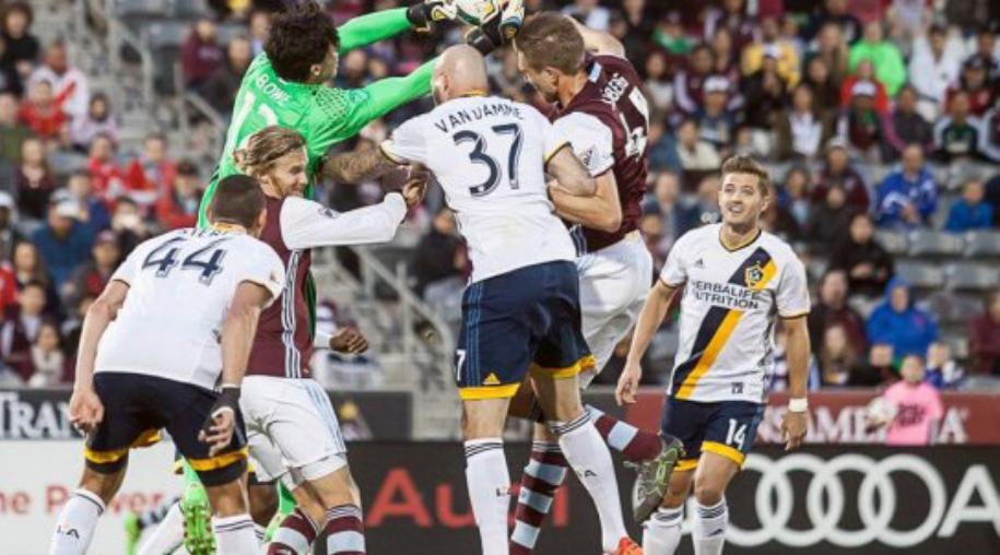 Colorado-Rapids-vs-LA-Galaxy-Loi-the-san-nha-08h00-ngay-12-9-Giai-nha-nghe-My-MLS-2