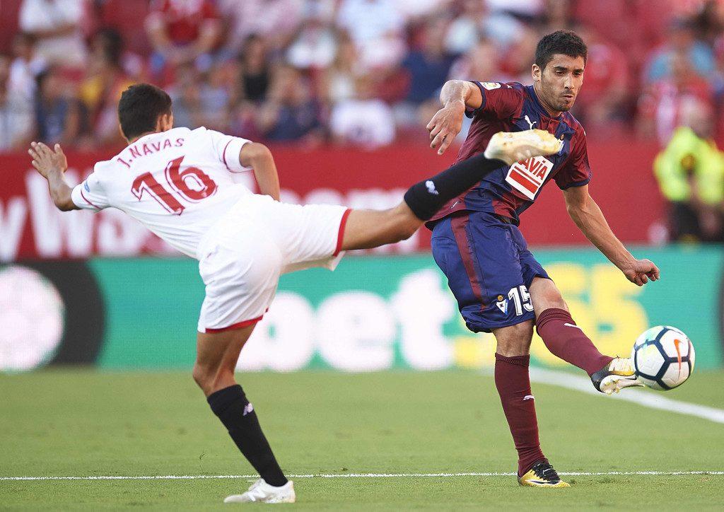 Eibar-vs-Sevilla-Doi-khach-khang-dinh-dang-cap-00h00-ngay-27-9-giai-VDQG-Tay-Ban-Nha-La-Liga-2