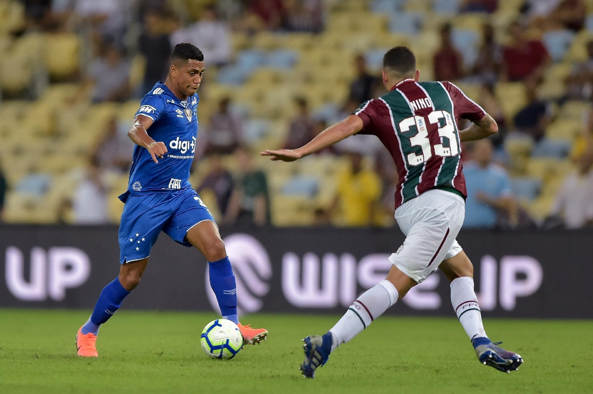 Cruzeiro-vs-Fluminense-Khach-lan-chu-07h30-ngay-10-10-Giai-VDQG-Brazil-Brazil-Serie-A-2