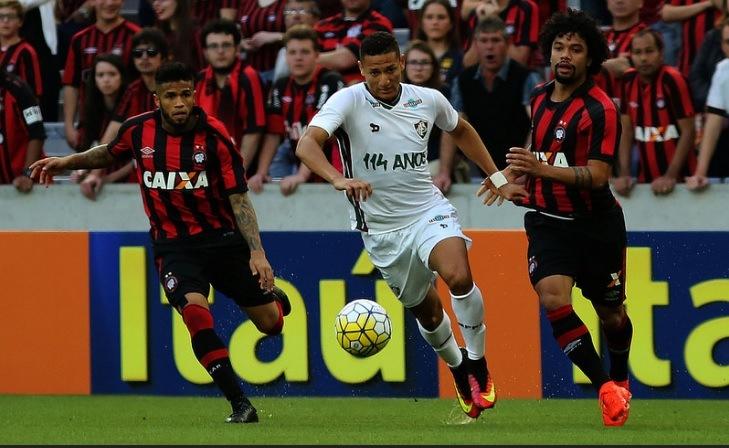 Fluminense-vs-Athletico-Paranaense-Khach-lan-chu-07h00-ngay-18-10-Giai-VDQG-Brazil-Brazil-Serie-A-2