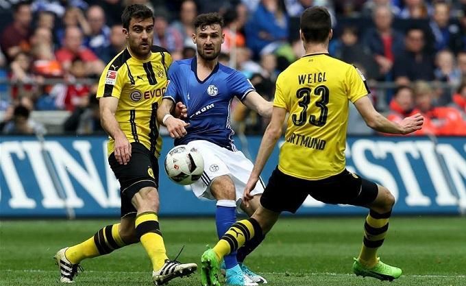 Schalke-04-vs-Dortmund-Derby-ruc-lua-20h30-ngay-26-10-Giai-VDQG-Duc-Bundesliga-2